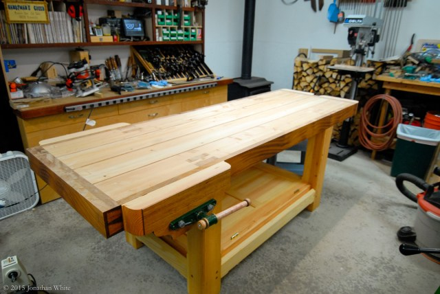 After the jointer plane, I cleaned up the benchtop with a smoothing plane.