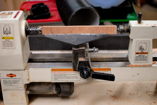 I mounted the blank in the lathe.