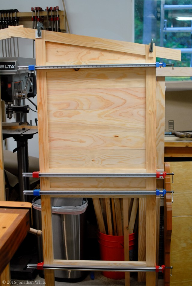 With all the parts done, I proceeded to the glue up.
