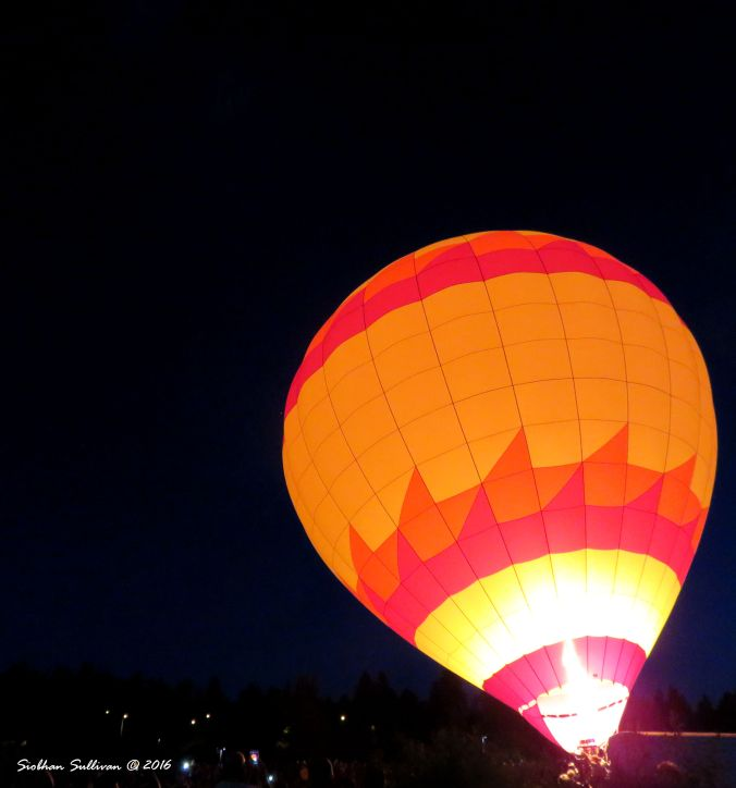 Night Glow hot air balloons in Bend, OR 22 July 2016