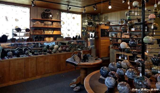 Canutts Gem and Rockshop display room 31August2017