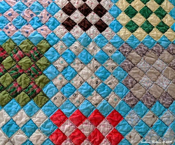Contrasting colors working together in a quilt May 2019