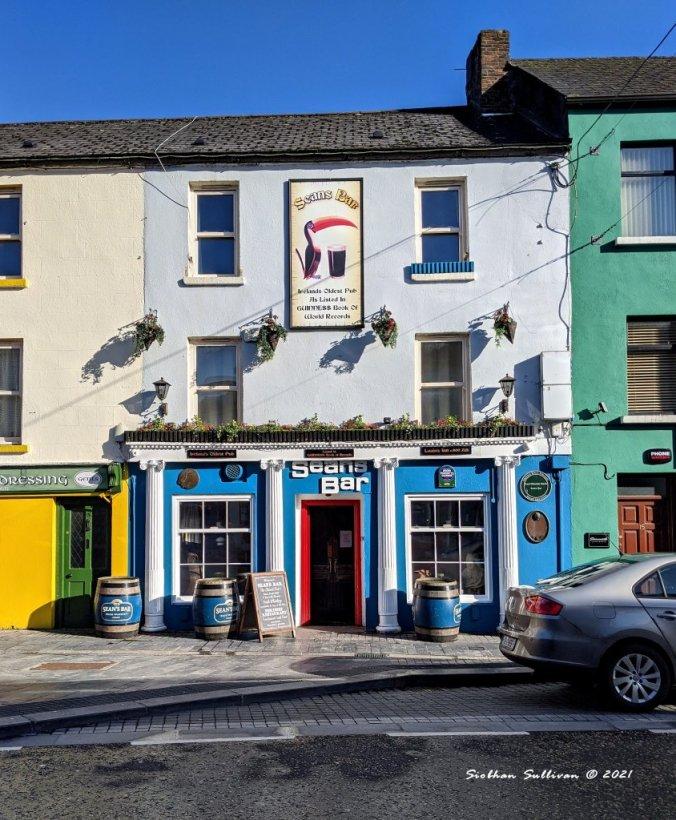 Seans Bar in Ireland
