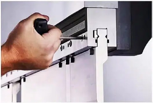 Manual clamping system (hardened clamping pin)