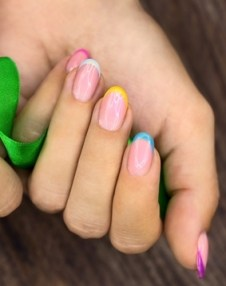 DIY-nail-art-bright-french-manicure
