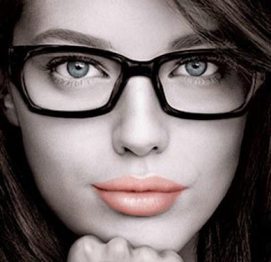 como-maquillarse-los-ojos-si-llevas-gafas-port