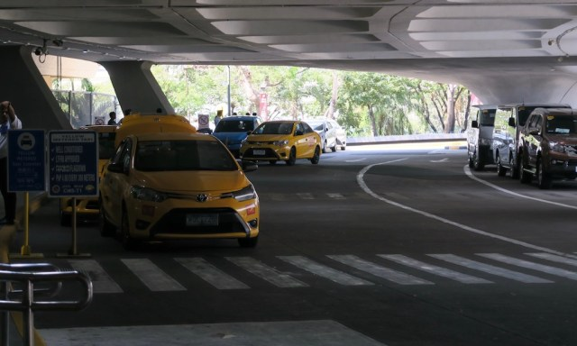 Taxi Stand am Ninoy Aquino International Airport in Manila