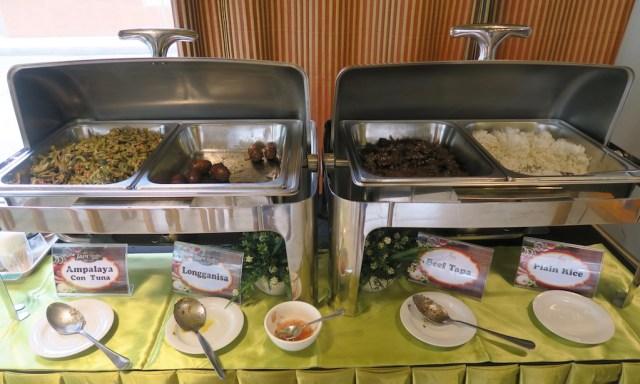 Frühstücksbuffet Japi Hotel in Cauayan