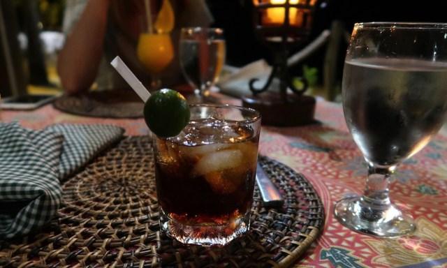 Ein Glass mit Tanguay Cola