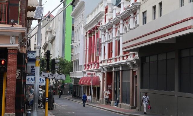 Long Street und Seitenstraße in Kapstadt