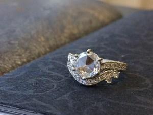 1カラットアップの煌めき、ローズカットダイヤモンド