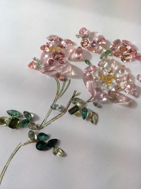 ダマスクローズの香りを宝石の煌めきにして