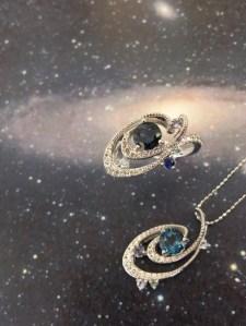 「宇宙の秩序」ジュエリーコレクション