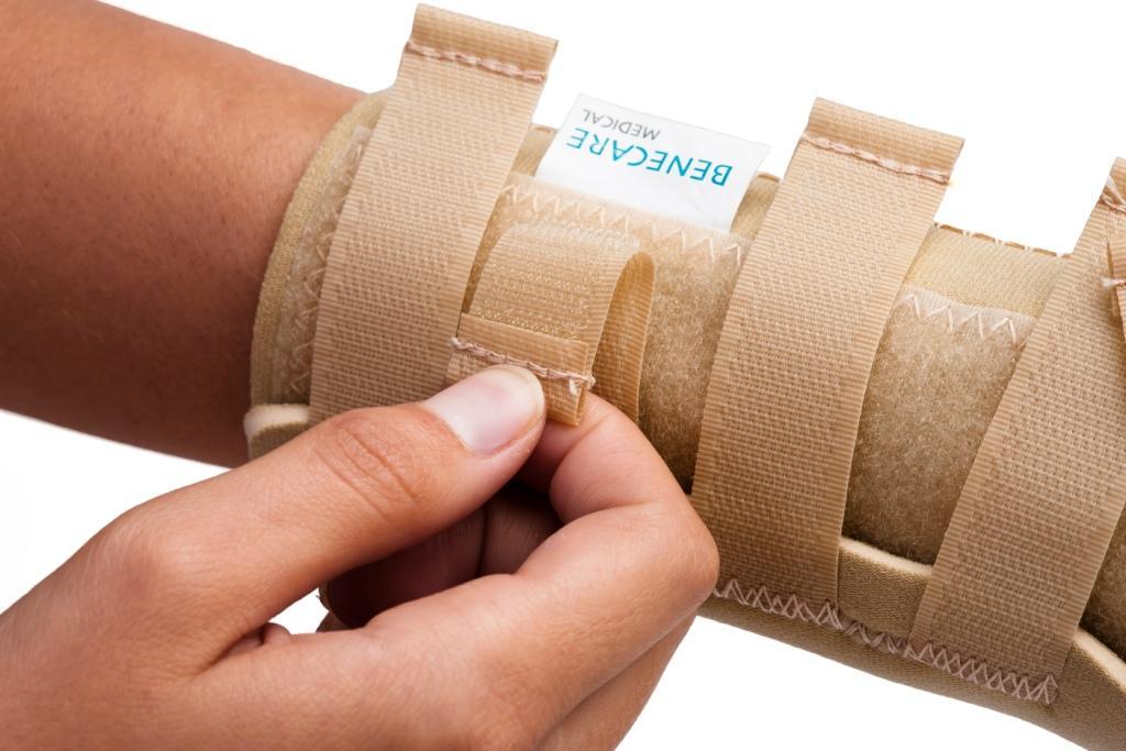 NeoWrap wrist thumb wrap open