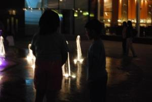 UB-City-fountain-kid play