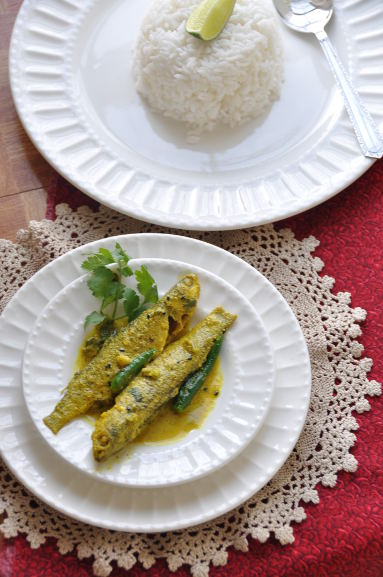 Authentic bengali cuisine cook like a bong there are numerous other ways of cooking fish that are prevalent among bongs and when talking about fish and its way of preparation the simple fish fry is forumfinder Choice Image