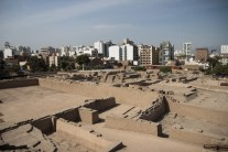 Looking down from the top of Huaca Pucllana