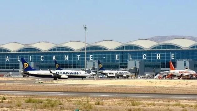 ALICANTE/ELCHE vliegveld platform