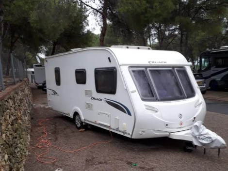 Used touring caravan for sale in Girona, Spain