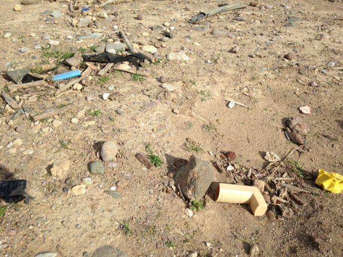 Steroid Inhaler on the beach, Lesvos, Greece, Benjamin Gow