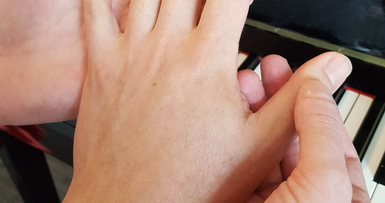 A Thousand Images: Effective use of touch in the piano lesson