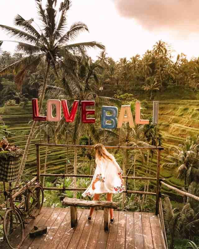tegalalang-rice-terraces-ubud-bali-sign