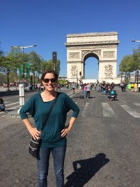 Mae Mae posing in front of the Arc de Triomphe.
