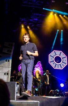 Damon Albarn on stage, 2015