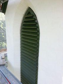 Schallläden Kirchturm fertiger Laden montiert