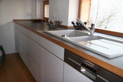 Küchenfront grifflos Arbeitsplatte mit Vollholzeinleimer in Eiche