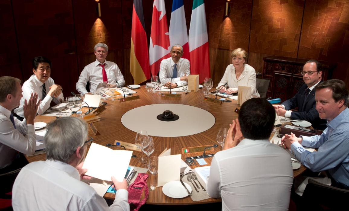 The 2015 G7 Summit Resulted in… Some Really Weird Photos