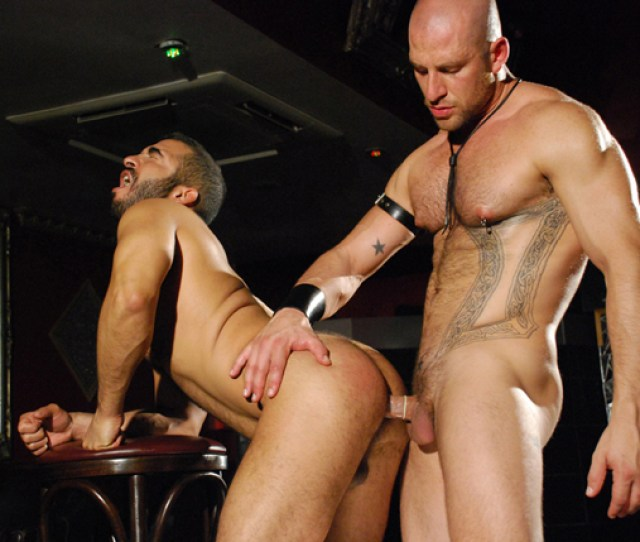 Mike Dreyden In Out With The Porn Stars Alphamale Benny Morecock Jpg 640x429 Porno Sleuth
