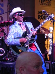 Little Freddie King performing.