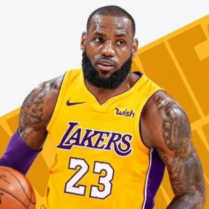 LeBron James signs four year deal with the Lakers