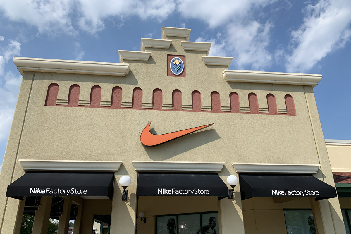 Hagerstown's Nike Factory Store 1998 – 2019