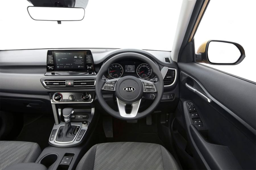 Inside is a 8.0-inch multimedia system with Apple CarPlay and Android Auto.
