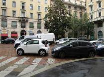 Ciclisti arroganti automobili Milano 5