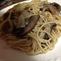 Spaghetti with anchovies and portobello mushroom - mỳ spaghetti với sốt anchovy và nấm portobello