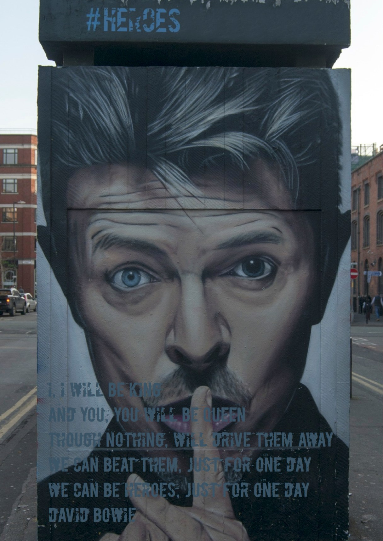 """Dagens citat – David Bowie: """"I, I will be king And you, you will be queen Though nothing, will drive them away We can beat them, just for one day We can be heroes, just for one day"""". Sangskrivere: Brian Eno / David Bowie Heroes sangtekster © Universal Music Publishing Group. Originalfoto: pixabay.com. Citatillustration: Maria Busch"""