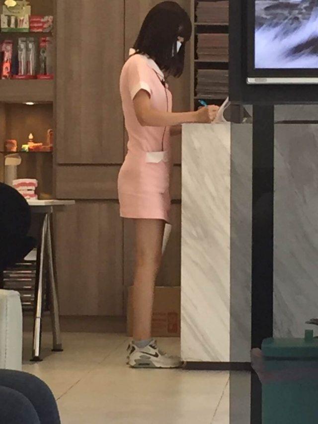 超短裙正妹護士 (6)
