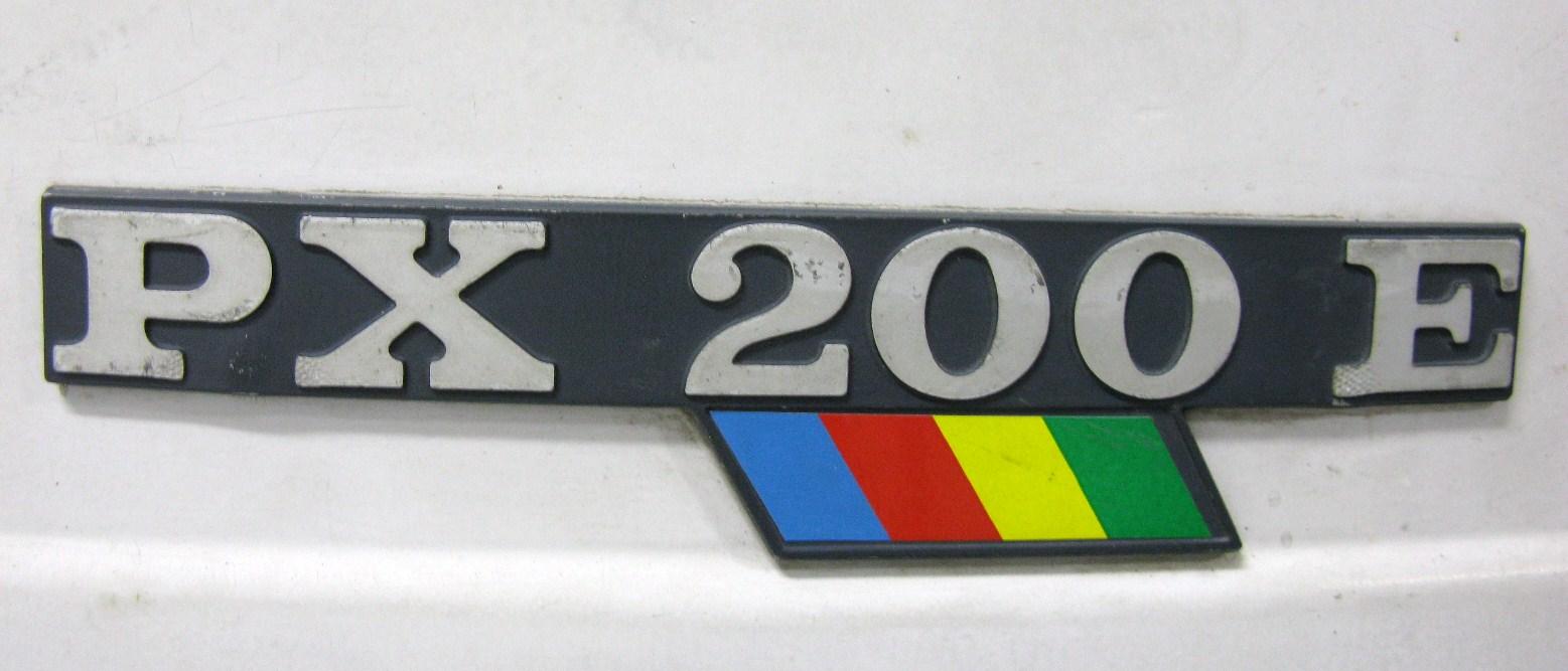 Vespa PX200E emblem