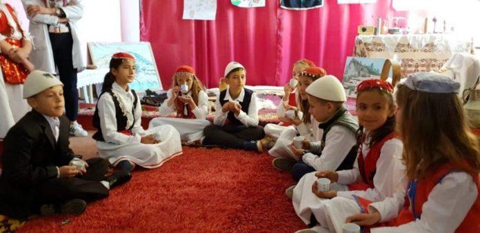 Berat, një festë e madhe tradite përcjellë nga të rinjtë