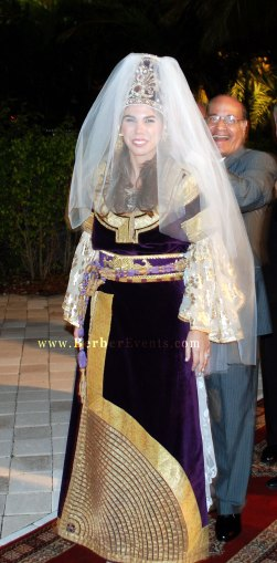 the bride in the Authentic Berberisca dress, el kaswa el kbira