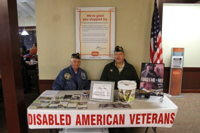 berean armed forces ministry veterans day meal at golden corral image (85)