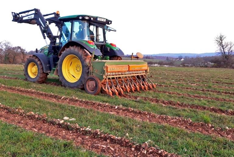 semis lavande tracteur seemoir