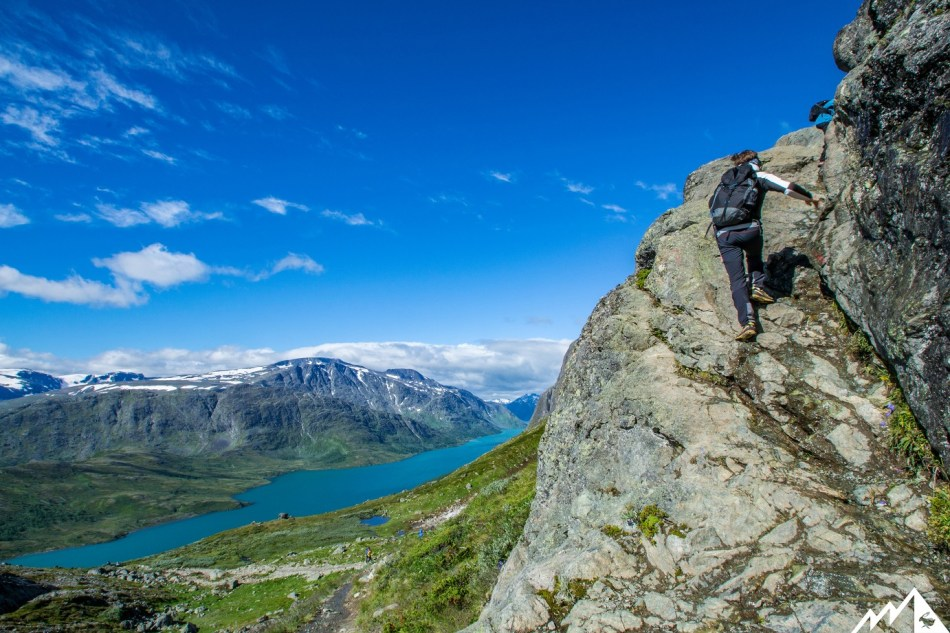 Erste Kletterstelle. Schon im Blick: der Gjendesee.