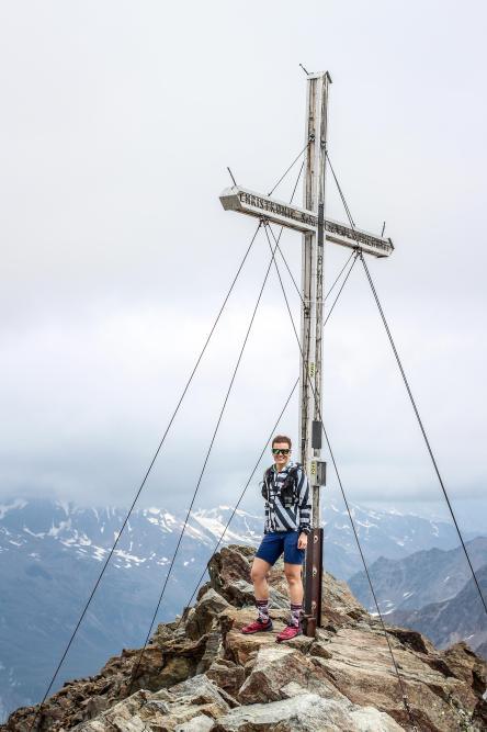 Am Gipfel der Fineilspitze.