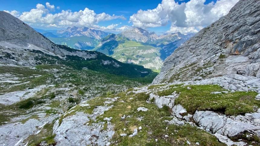 Das Bergpanorama vom Steig in Richtung Lofer