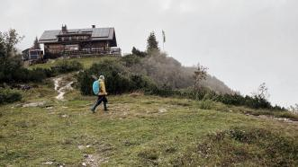 An der Goiserer Hütte beginnt der Abstieg