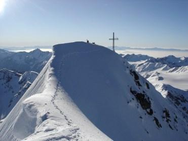 Das Gipfelkreuz aus einer anderen Perspektive